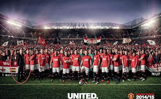 """David Moyes bị """"đá văng"""" khỏi Man Utd nhờ... Photoshop"""