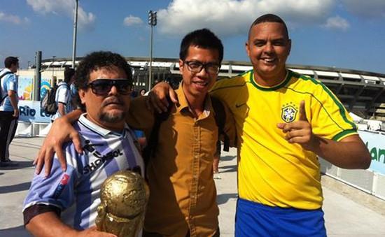 Phóng viên VTV tác nghiệp tại World Cup: Ấn tượng khu ổ chuột, sự ngẫu hứng và lòng hiếu khách