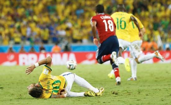 """Neymar sợ thành """"phế nhân"""" sau pha vào bóng ác ý của Juan Zuniga"""