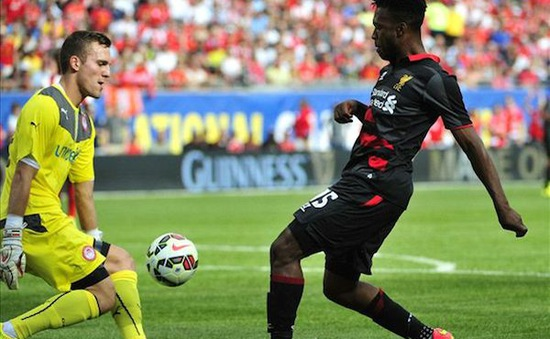 "Daniel Sturridge tự tin ""xỏ vừa giày"" của Suarez tại Liverpool"