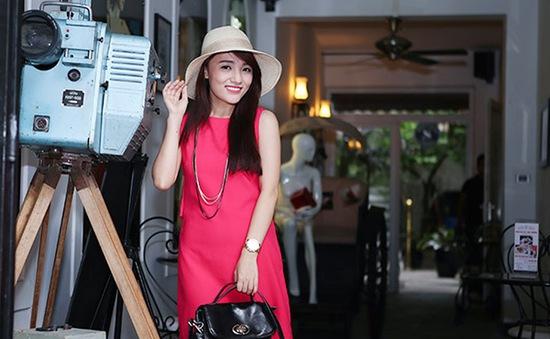 Quán quân Vietnam Idol mùa 5 muốn... chân mình dài hơn