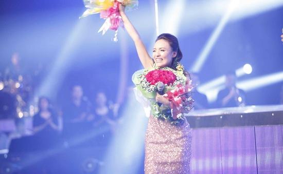 """Nhật Thủy tự hào được hát ca khúc """"Tự nguyện"""" trong đêm chiến thắng"""