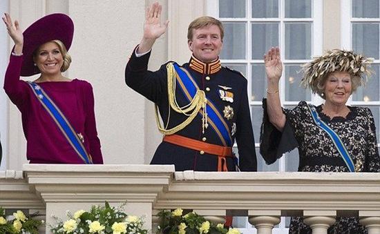 Hôm nay, Nữ hoàng Hà Lan nhường ngôi cho con trai