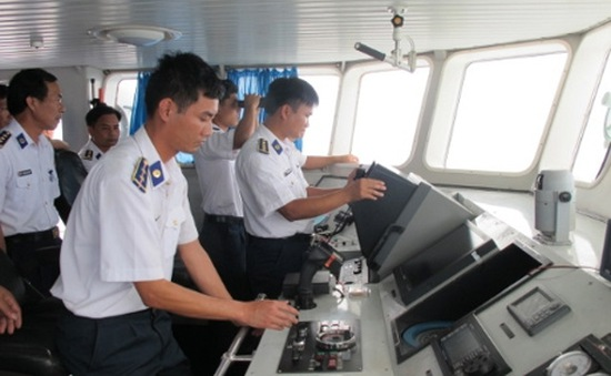 Khen thưởng nhiều đơn vị, cá nhân thuộc vùng Cảnh sát biển 4
