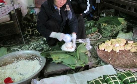 Làng bánh chưng lớn nhất Hà Nội: Vắng lặng mùa Tết