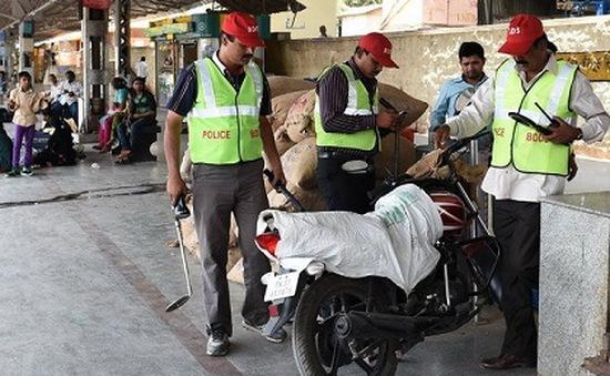 Ấn Độ tăng cường an ninh ở nhà ga và sân bay