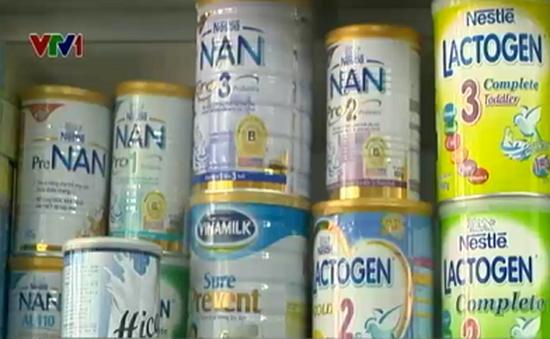 Những ngày đầu áp trần giá sữa: Nơi giảm, nơi không