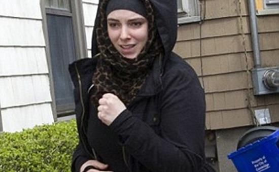 """Vợ nghi phạm vụ đánh bom Boston bị """"tẩy não"""""""