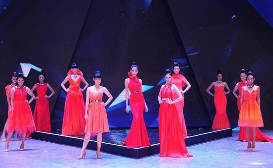 Dàn chân dài Next Top Model mùa cũ rực rỡ trong đêm Chung kết