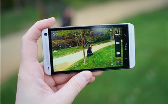 Máy ảnh du lịch bị đe dọa vì điện thoại chụp ảnh