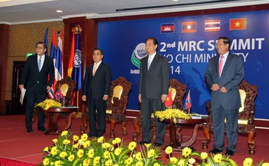 Thủ tướng tiếp các trưởng đoàn tham dự Hội nghị Cấp cao MRC