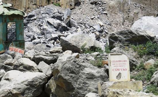 Hải Phòng: Sạt mỏ đá, 5 công nhân bị vùi lấp
