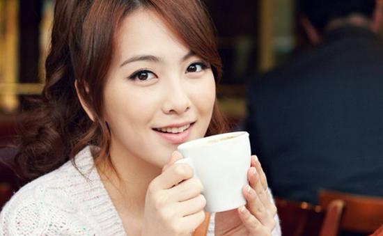 Jiyoung nhóm Kara bỏ hát đi du học