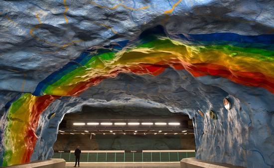 Ngắm trang trí lạ mắt tại ga tàu điện ngầm của Stockholm