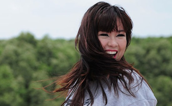 Minh Thùy Idol: 'Tôi rất nhớ chồng ở quê nhà'