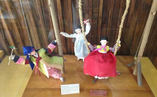 """Cảm nhận văn hóa Hàn Quốc qua triểm lãm vải sợi """"Seon - Hơn cả Bojaggi"""""""