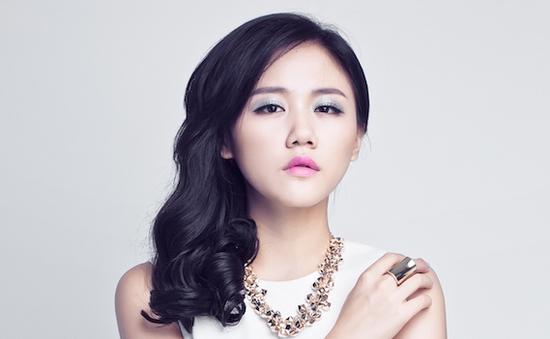 Văn Mai Hương tung single mới Ngày gần anh