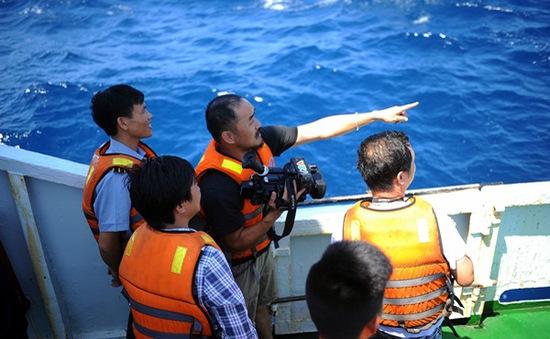 Phóng viên VTV và những cảm xúc thiêng liêng khi tác nghiệp tại vùng biển Hoàng Sa