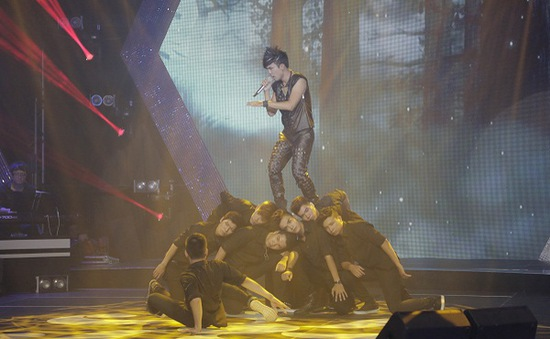 """Chùm ảnh: Liveshow 2 Sao Mai Điểm hẹn 2014 """"cháy"""" với rock"""