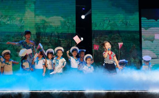 """Show tuần 2 Đồ Rê Mí 2014: """"Ngôi sao"""" Lê Huỳnh Bảo Ngọc """"dạy dỗ"""" GK Xuân Bắc"""