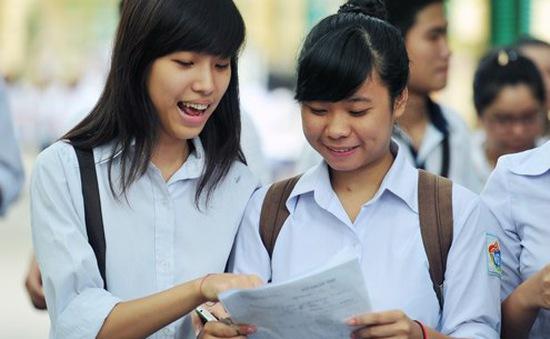 Hơn 200 trường công bố điểm thi