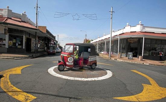 Nam Phi ưa chuộng xe tuk tuk