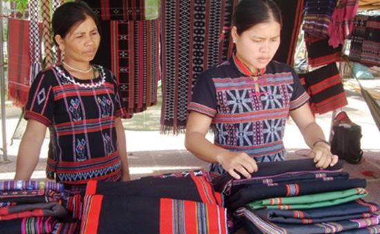 Nghề dệt Zèng truyền thống: Niềm hi vọng thoát nghèo