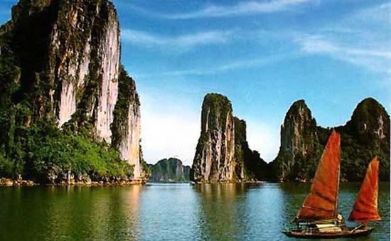 Vịnh Hạ Long lọt top 10 đường bờ biển ấn tượng nhất hành tinh