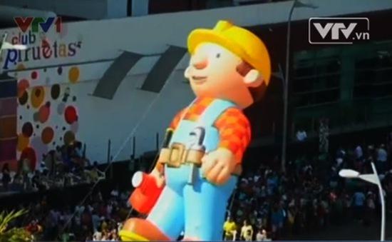 Sôi động lễ hội bóng khổng lồ tại Mexico
