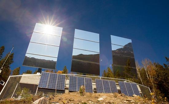 Na Uy: Sưởi ấm cả thành phố bằng gương chiếu sáng
