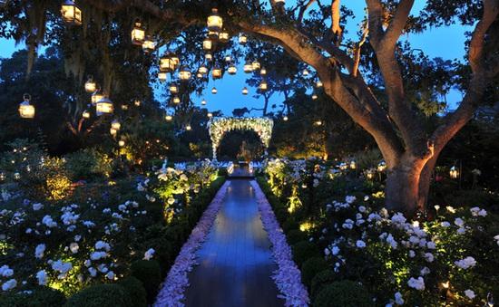 10 mẫu không gian tiệc cưới đẹp