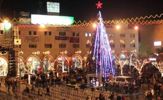 Thế giới rộn ràng chuẩn bị đón Giáng sinh