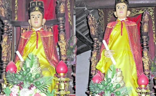 Bức tượng đứng lên, ngồi xuống ở làng Bảo Hà