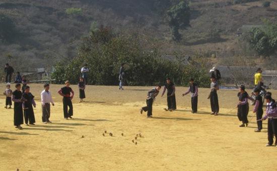 Nét mới trong ngày Tết của người Mông ở Vân Hồ, Sơn La