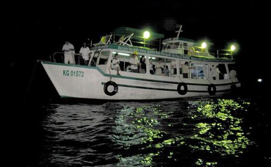 Thú vị những chuyến câu mực đêm ở Phú Quốc