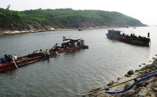 Cửa biển Tam Quan bị bồi lấp và nỗi lo của ngư dân