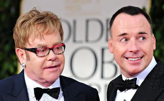 Elton John sẽ kết hôn vào tháng 5