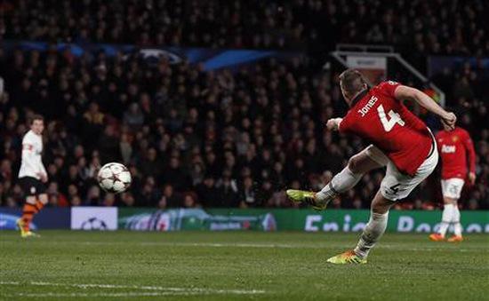 Man Utd 1-0 Shakhtar: Cú volley xuất thần của Phil Jones (VIDEO)