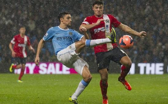 Tổng hợp bóng đá châu Âu giữa tuần: Man City vùi dập Blackburn, Real nhờ ơn trọng tài