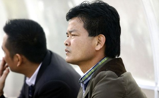 Đả bại ĐKVĐ Hà Nội T&T, HLV Nguyễn Văn Sỹ vẫn khiêm tốn
