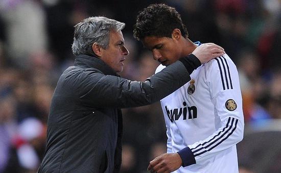 """Tin sáng 7/3: Mourinho """"hút máu"""" Real phục vụ Chelsea"""