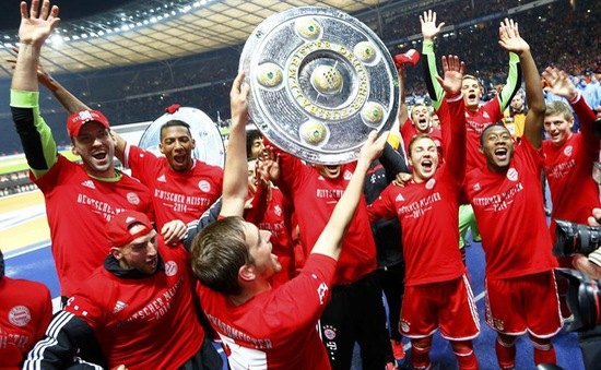 Những khoảnh khắc đáng nhớ của tân vương Bundesliga