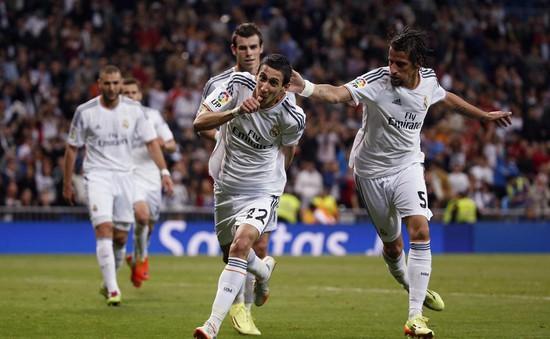 """Real Madrid 4-0 Almeria: """"Kền kền"""" thị uy trước """"siêu kinh điển"""" (VIDEO)"""