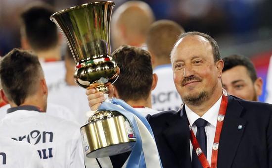 Napoli xuất sắc giành Cúp Quốc gia Italia chỉ với 10 cầu thủ