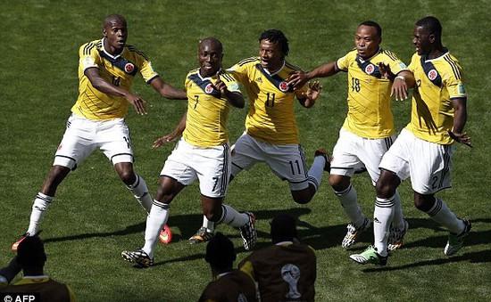 World Cup 2014, bảng C: Đại thắng Hy Lạp, Colombia chiếm ngôi đầu