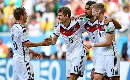 Chùm ảnh: Trọng tài sai lầm, Muller huỷ diệt người Bồ
