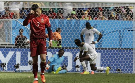 """Bồ Đào Nha 2-1 Ghana: Tạm biệt Ronaldo, tạm biệt """"Selecao châu Âu""""!"""