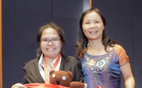 Cô giáo Lê Thị Ngọc Hà - người chắp cánh cho ĐT Hoá Việt Nam tại IChO 46