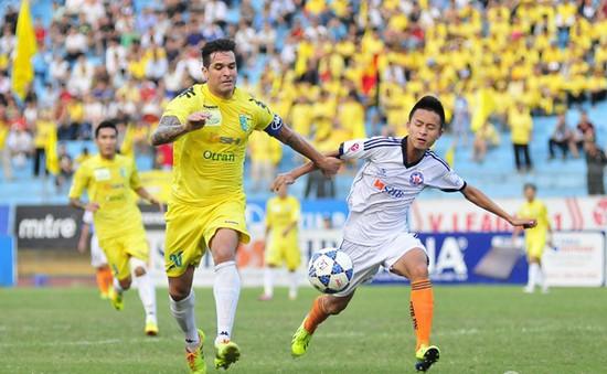 """Vòng áp chót V-League: """"Soi"""" trận đấu người nhà bầu Hiển"""