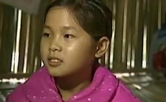 6 chị em người Mông dựng lán nuôi nhau học